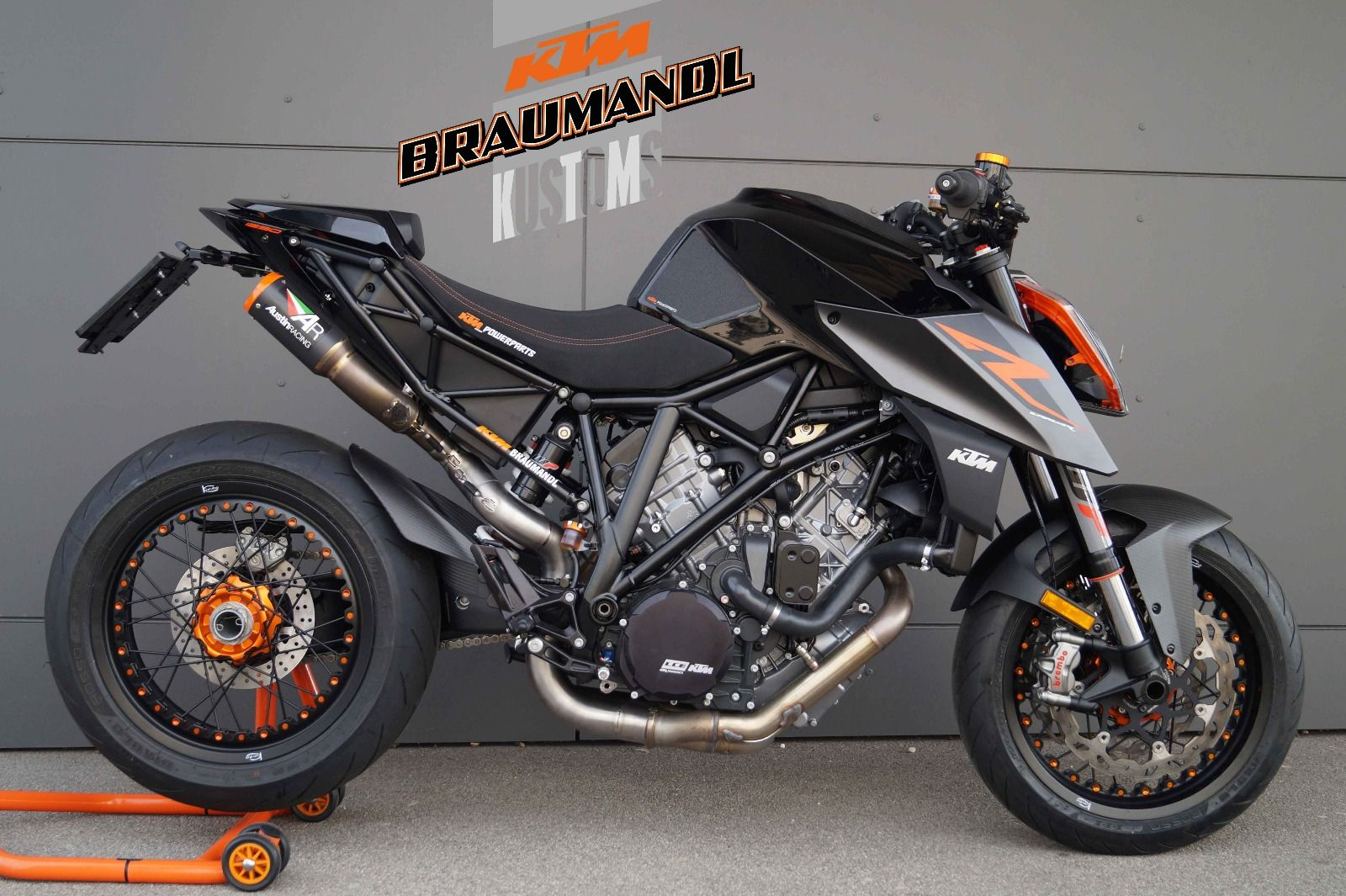 ktm 1290 super duke r ktm braumandl umbau ktm 1290 super. Black Bedroom Furniture Sets. Home Design Ideas
