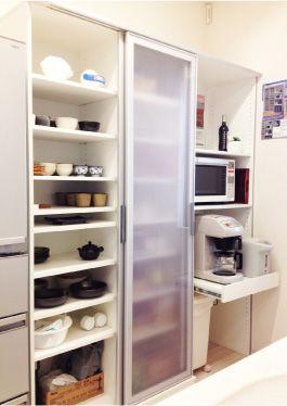 スライド式の食器棚 食器棚 Ikea 小さなキッチンのリフォーム
