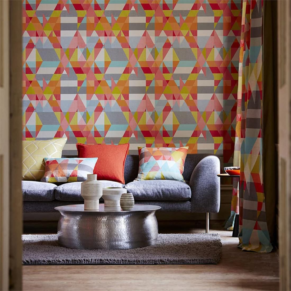 It is also possible to create your own photo wallpaper. Carta Da Parati Zewana Rosa Antico Wall Wallpaper Wallpaper Living Room Scion Wallpaper