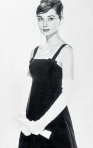 Style Icon Audrey Hepburn Audrey Hepburn Black Dress Audrey Hepburn Style And Audrey Hepburn