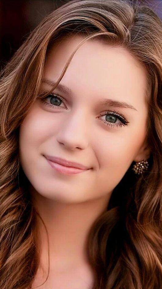 Красивое лицо девушки фото