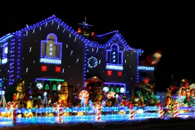 Christmas House Decorations Decorated Houses For Beautiful With Lights David Ayrton