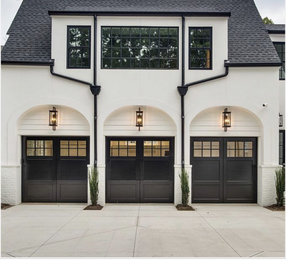 Black Garage Door Reveal Inspiration Inspo Side Entry Three Car Garage Transitional Home Style Just In 2020 Garage Door Styles Garage Door Design Black Garage Doors