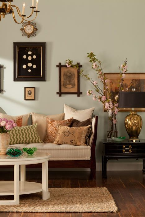 Vintage Chic Living room love the couch