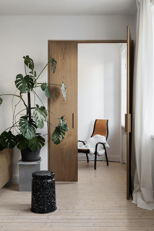 Apartment V In 2020 Minimalism Interior Home Room Design Door Design Interior
