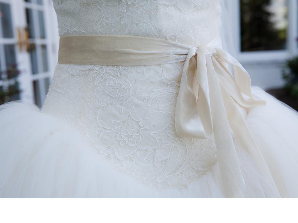 Vera Wang Bride Wars/Kate Hudson, $3,000 Size: 4 | Used Wedding ...