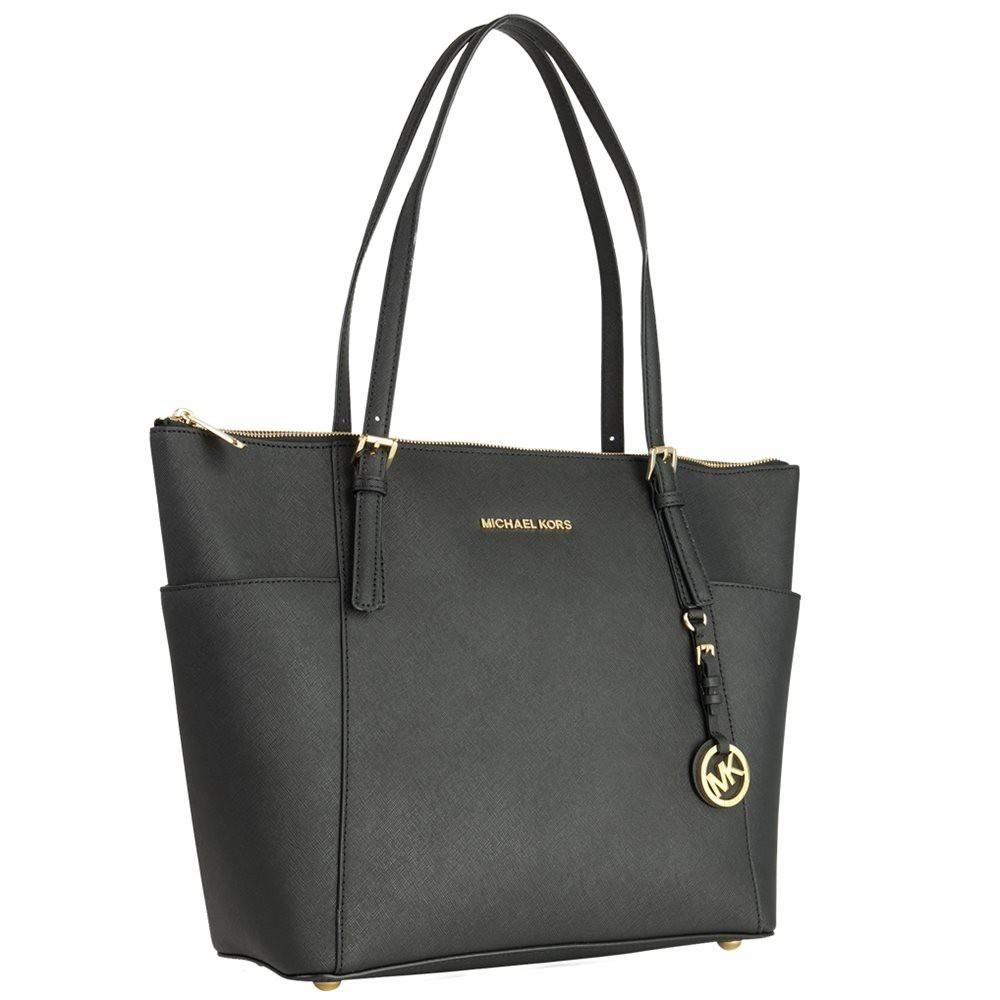 eeb47fda2c48 Get one of the hottest styles of the season! The Michael Kors 30f4gttt9l  Shoulder Bag is a top 10 member favorite on Tradesy.
