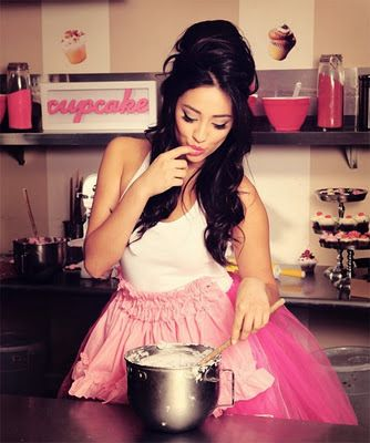 Shay Mitchell! Love her and PLL