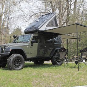 The James Baroud Evasion Evolution is the most popular roof top tent in the line and features &le interior room with storage pockets. & James Baroud Discovery Extreme   Rooftop tents   Pinterest ...