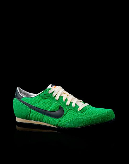 Nike Track Racer Distressed