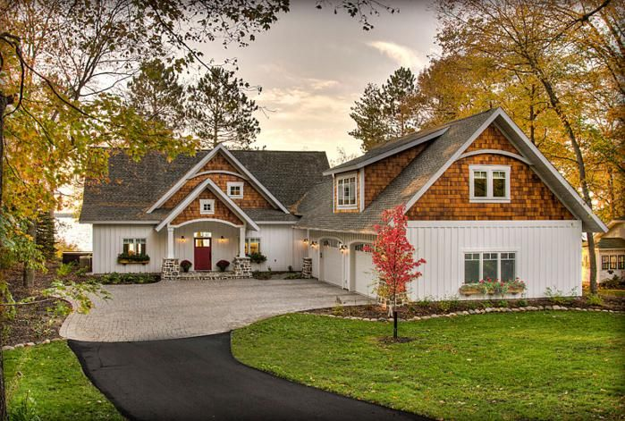 Pin By Amy Simmonds On Home Dream Home In 2020 Cottage Exterior Rustic Lake Houses House In The Woods