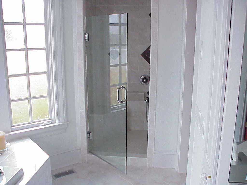 Fiberglass Shower Enclosures With Chrome Hardware And Glass To