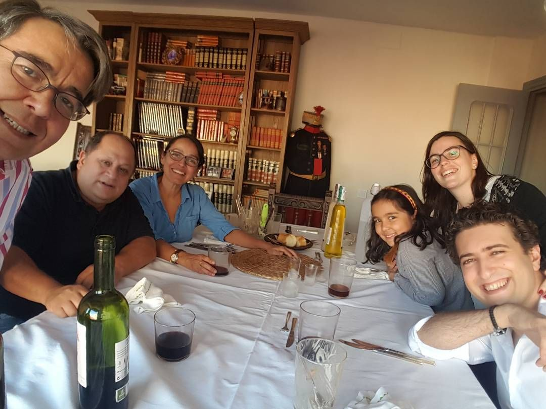 Comiendo Con La Familia En La Nueva Casa Instagram Fotos Puertas