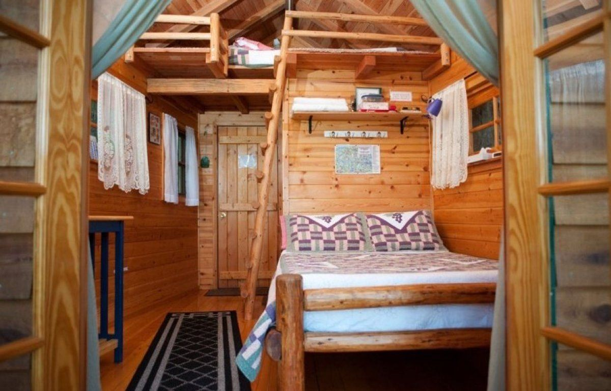 treehouses you can live in  oregon interior  luxury