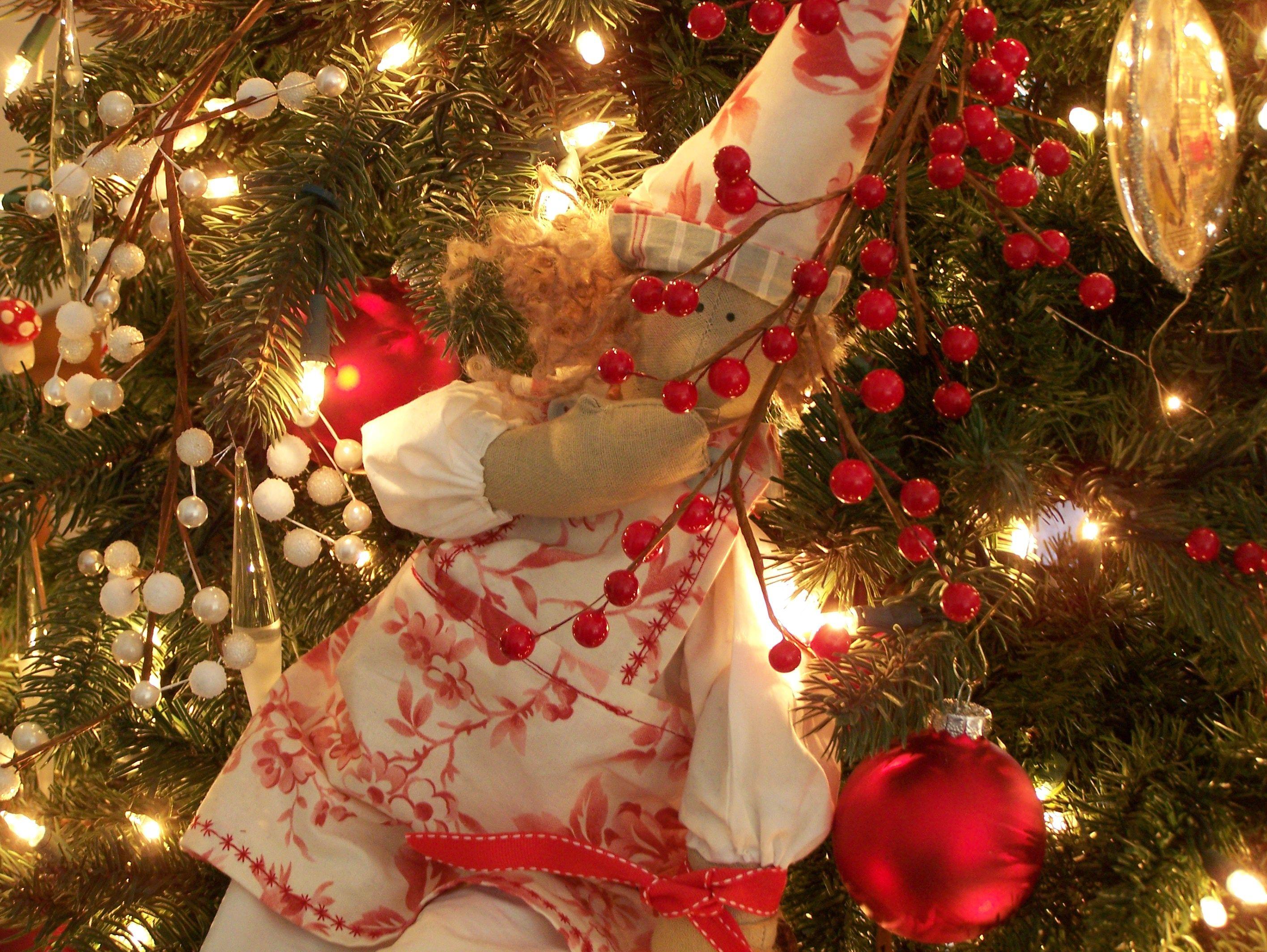 Christmas C h r i s t m a s