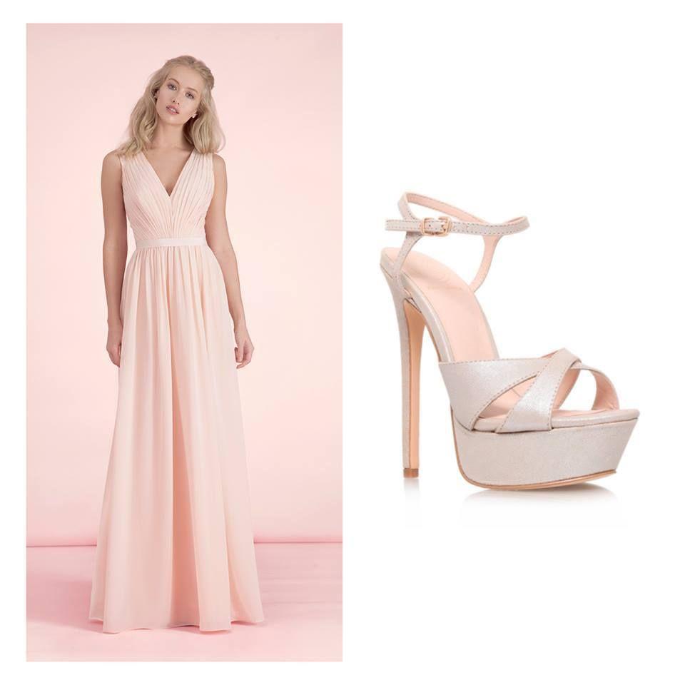 lange lichtroze jurk