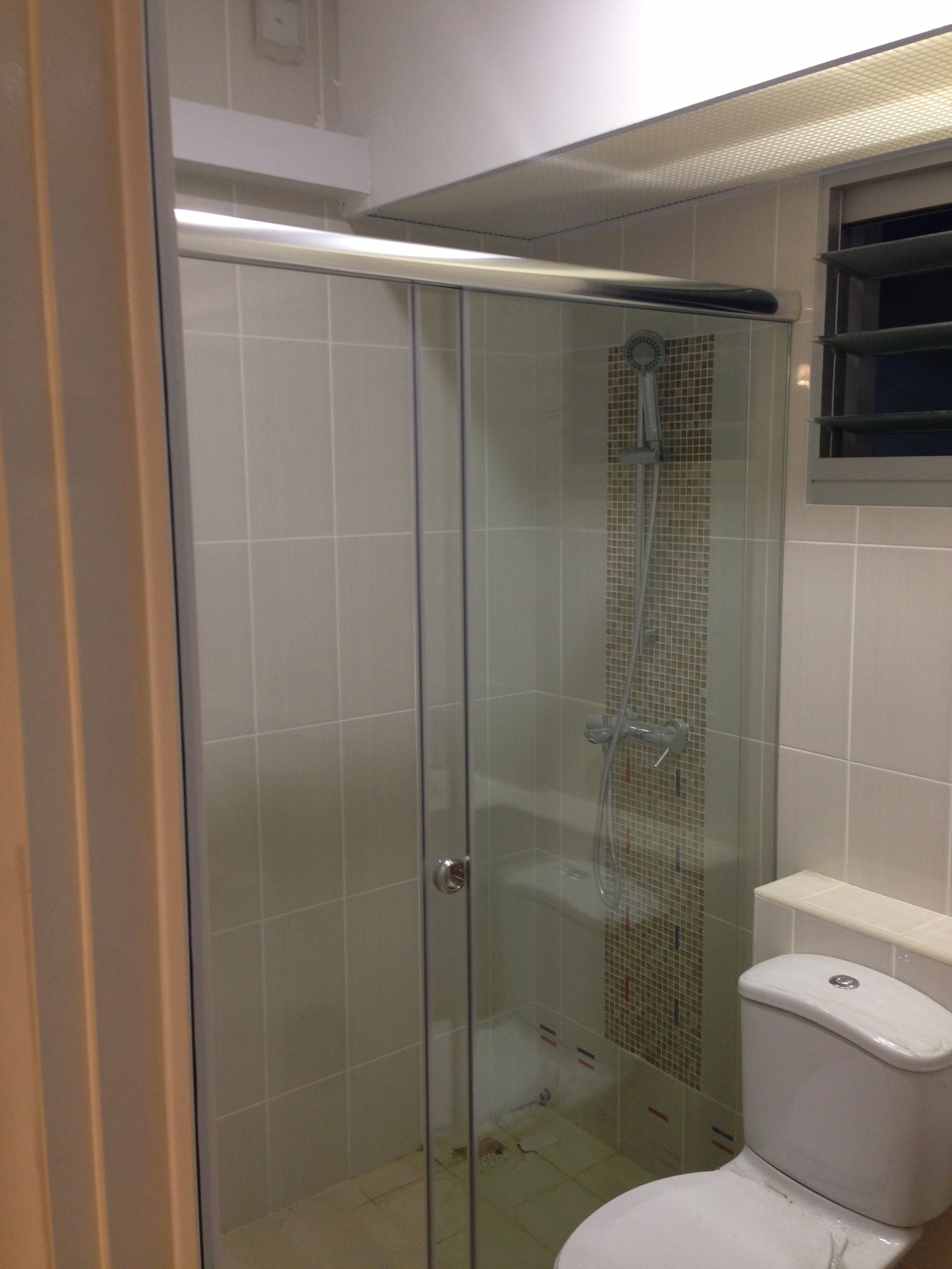 Sliding shower screen - Sliding Shower Screen Intradesign