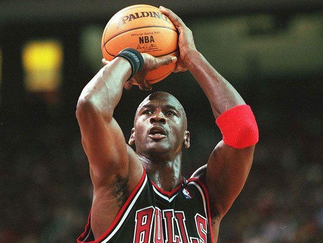 wholesale dealer 24010 3a578 The Top 50 Michael Jordan Moments  50-37   Ball Don t Lie - Yahoo Sports