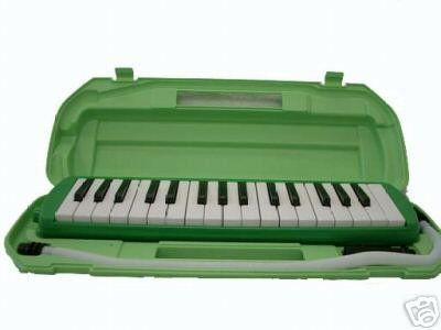 Noodle Halloween costume part 6: Noodle's melodica. My friend has one so I'll borrow hers.