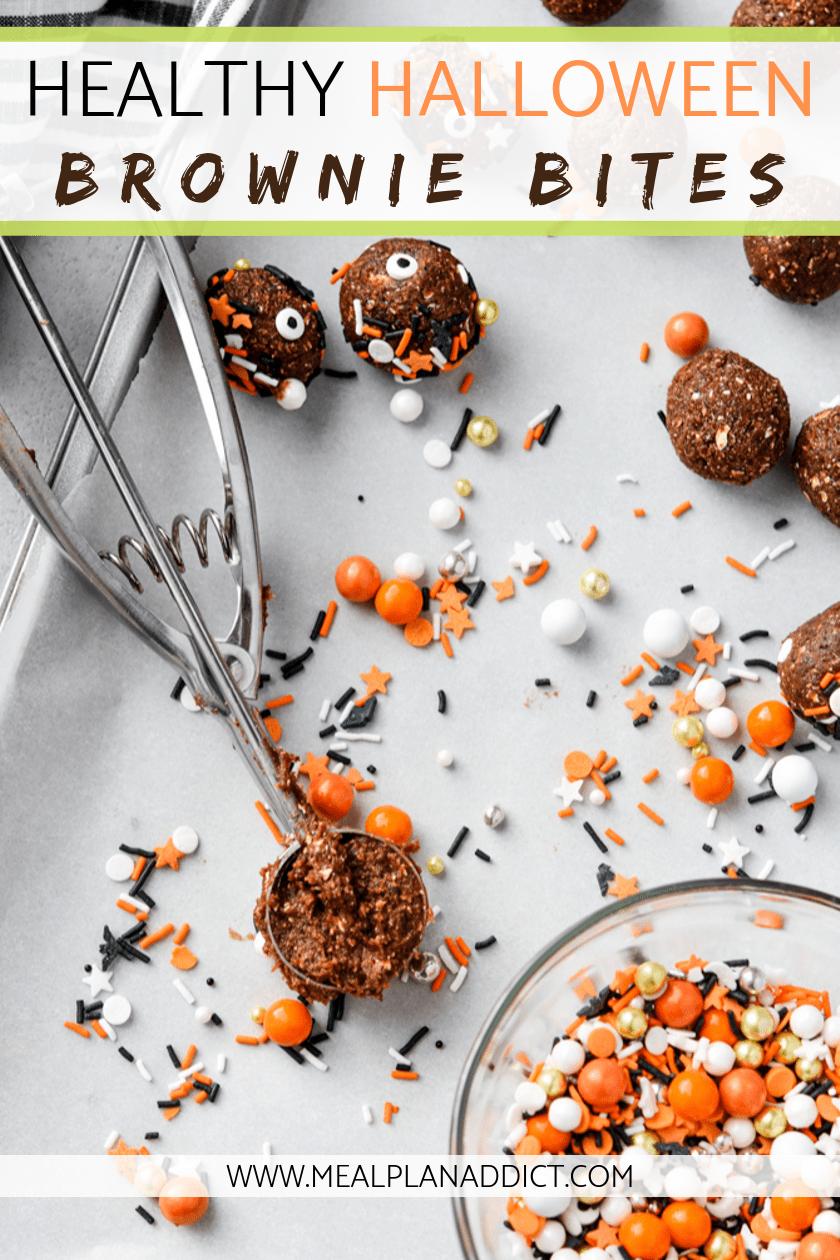 Healthy Halloween brownie bites are a super easy, no bake, kid friendly activity.#nobake #energybites #healthyhalloween #browniebites #mealplanaddict #halloweenbrownies