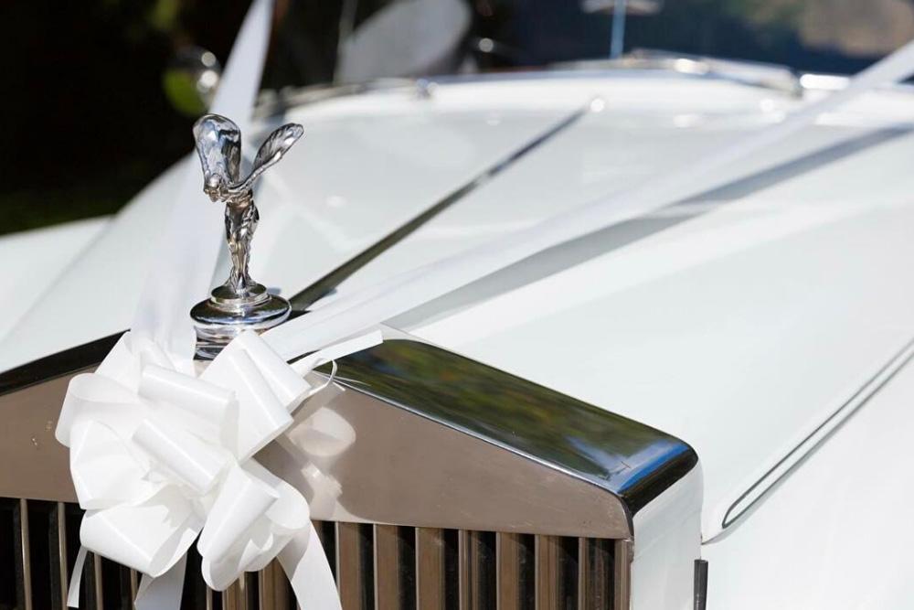 Status Luxury Vehicles Stunning Wedding Venues Luxury Car Hire Wedding Entertainment