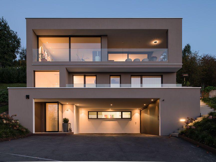 Einfamilienhaus hanghaus modern edelstahlpool luxushaus mit pool luxushaus im hang bauen - Farbkonzept haus ...