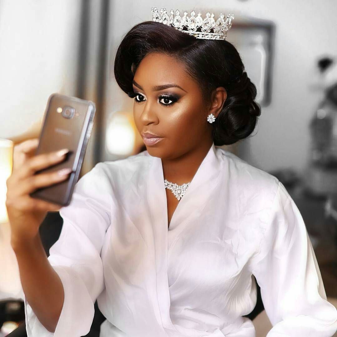 Black Wedding Hairstyles With Crown: Queening @thequeentonie (With Images)