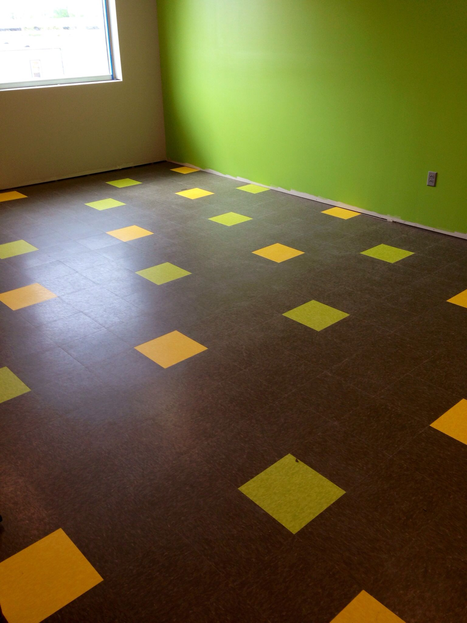 VCT random pattern Tile patterns, Contemporary rug, Flooring
