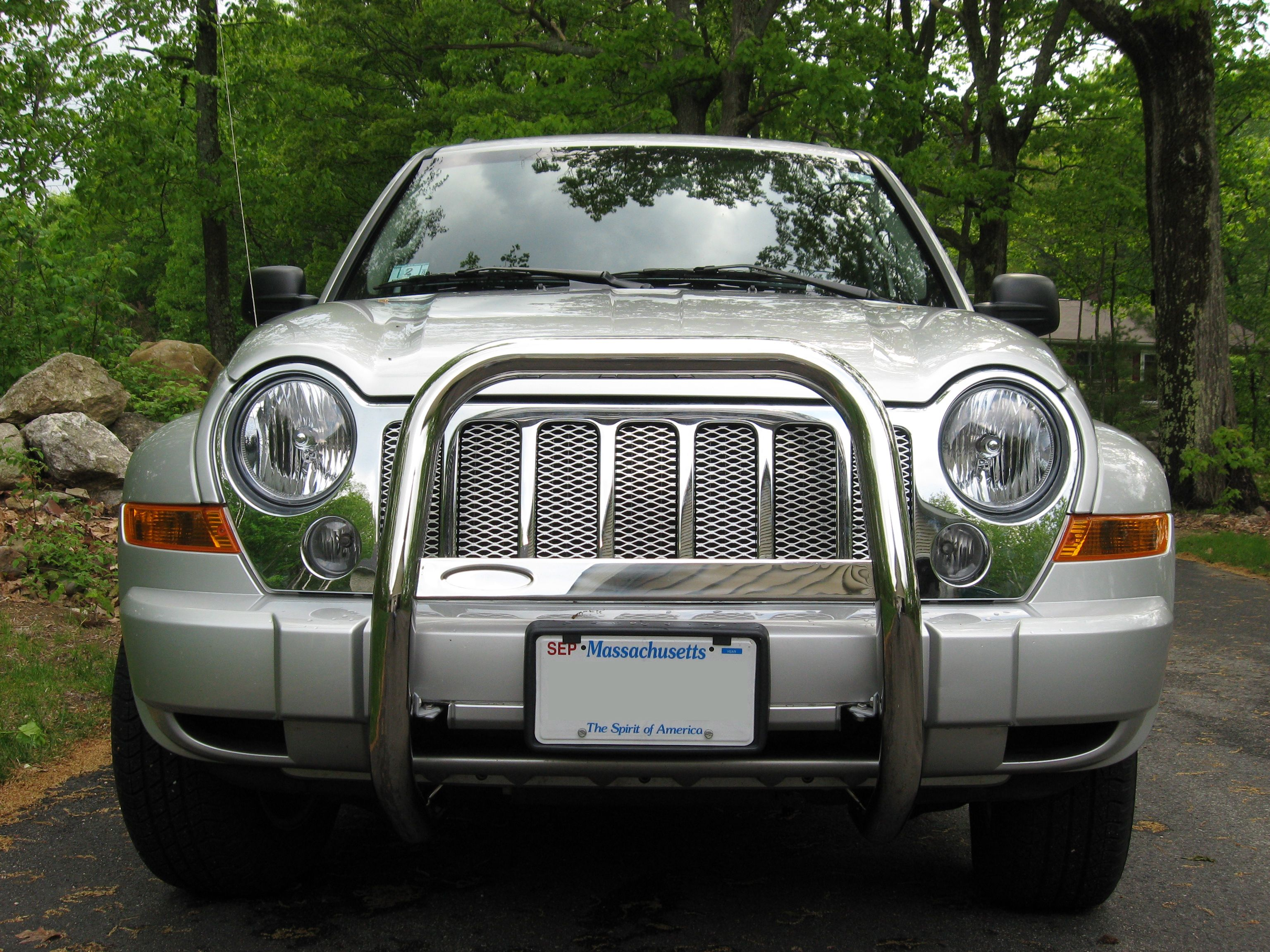 2007 Jeep Liberty Expanded Aluminum Grille Overlays Chrome Bull