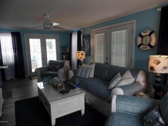 Gorgeous Single Wide Beach House - - living room