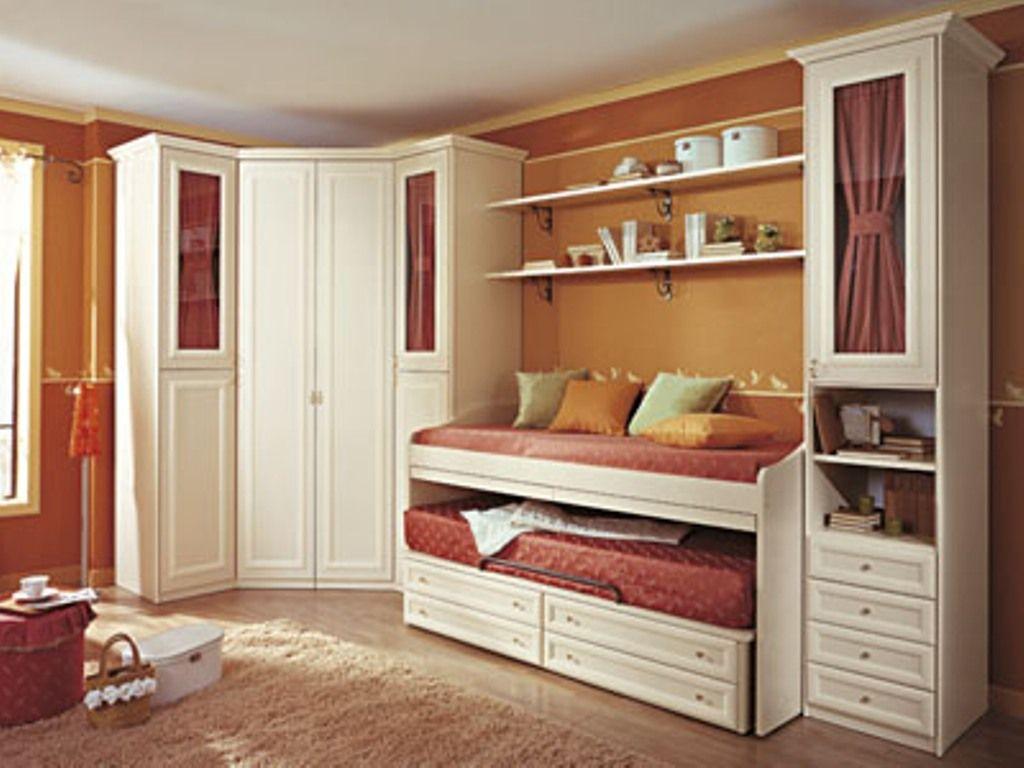 Cameretta giada classica con cabina armadio e doppio letto ...