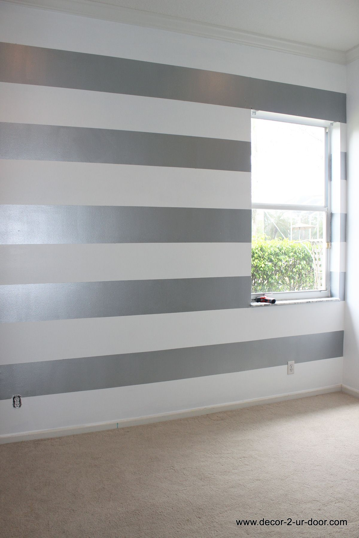 Metallic Striped Accent Wall Love This For A College Apartment Girl Bedroom Walls Striped Walls Striped Walls Living Room