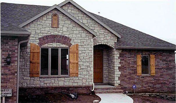 Brick and stone exterior combinations limestone prairie for Brick stone combinations