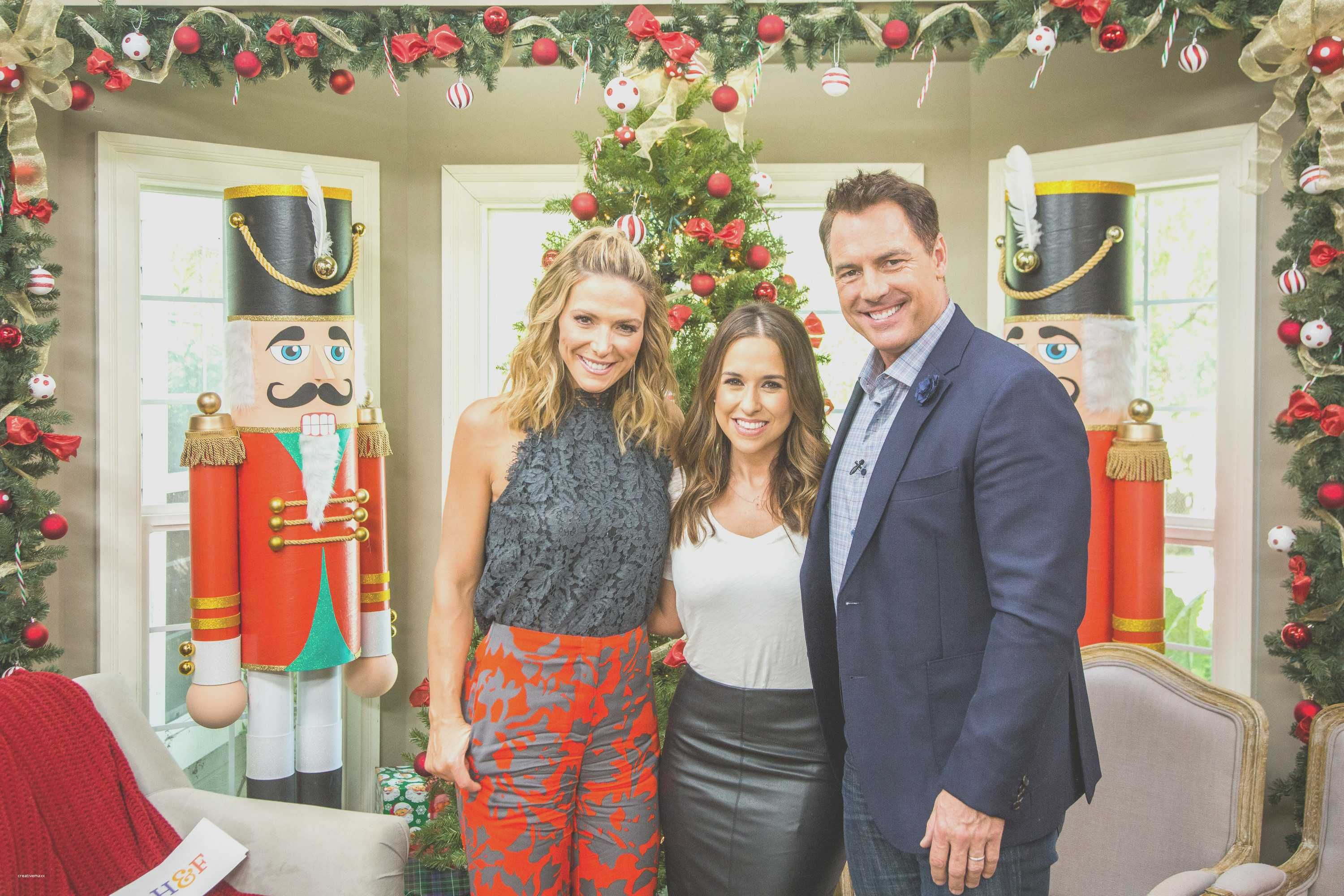 Sharing Christmas Hallmark.Beautiful Sharing Christmas Hallmark Movie Holiday Party