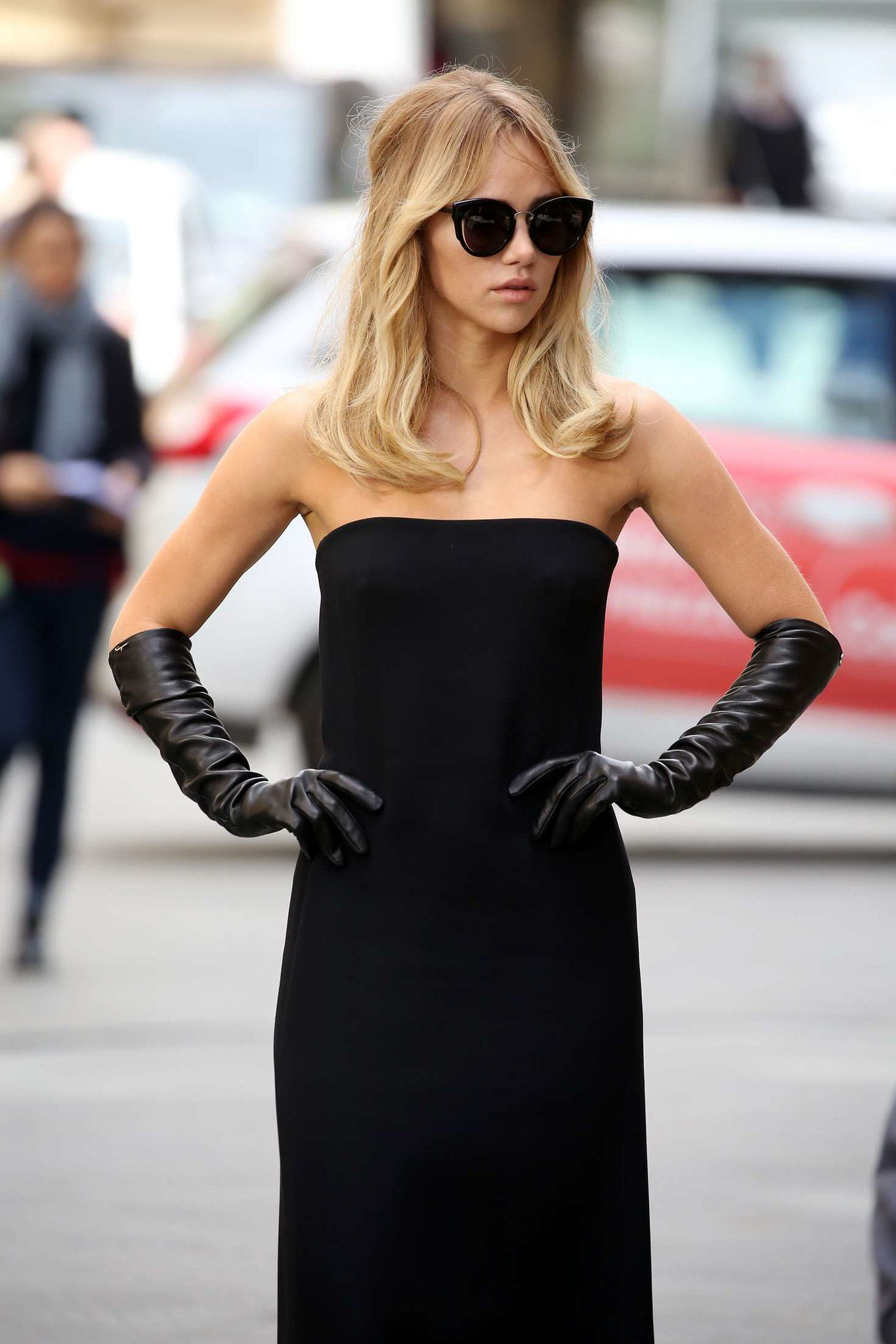 Pin On Gloves [ 2048 x 1365 Pixel ]