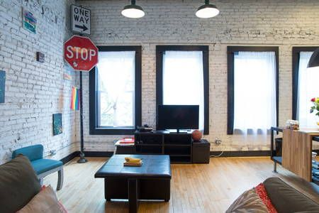 Lofts for Rent in Chicago - Airbnb - Get $25 credit with Airbnb if you sign up with this link http://www.airbnb.com/c/groberts22