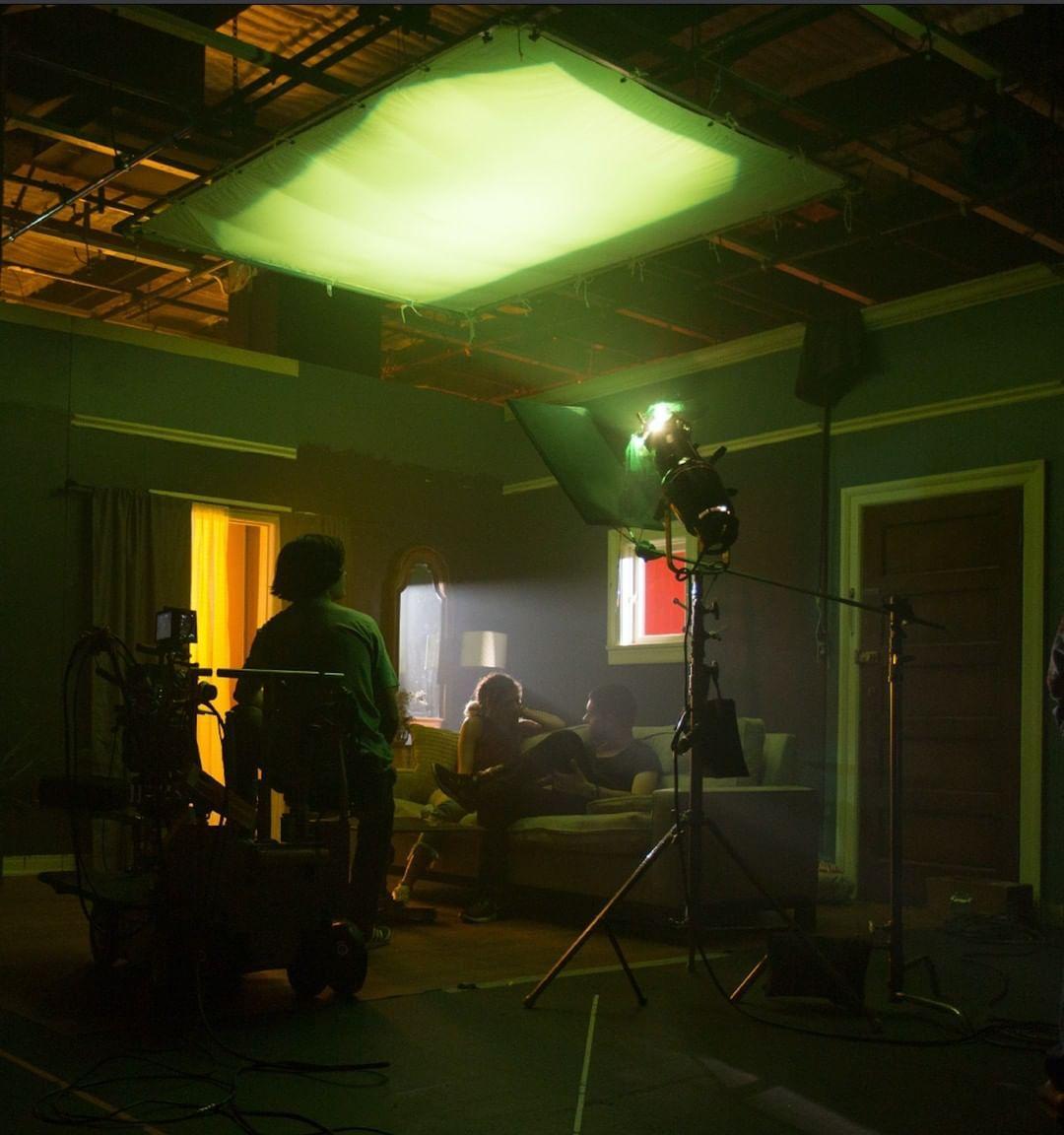 طرق وأنواع في الإضاءة : الإضاءة العلوية Top Light