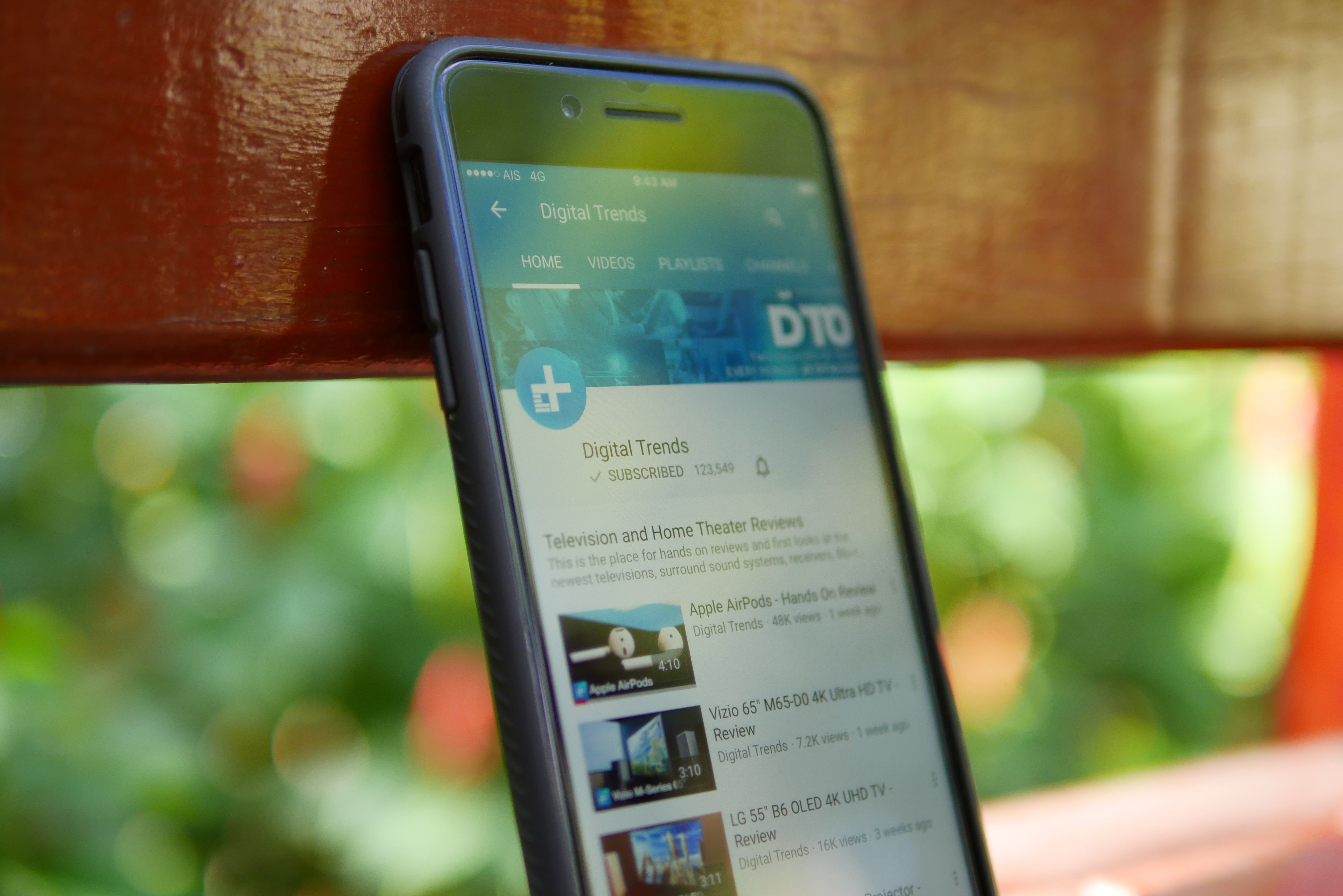 How To Play Youtube Videos In The Background On Ios And Android Digital Trends Digital Ios