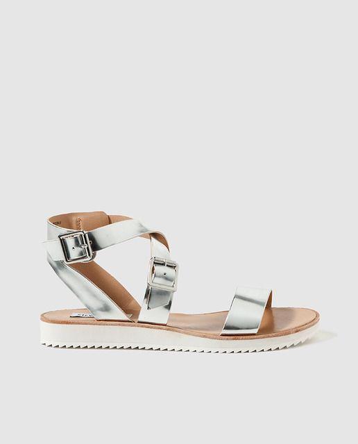 Sandalias planas de mujer Porronet en piel blanca con tiras