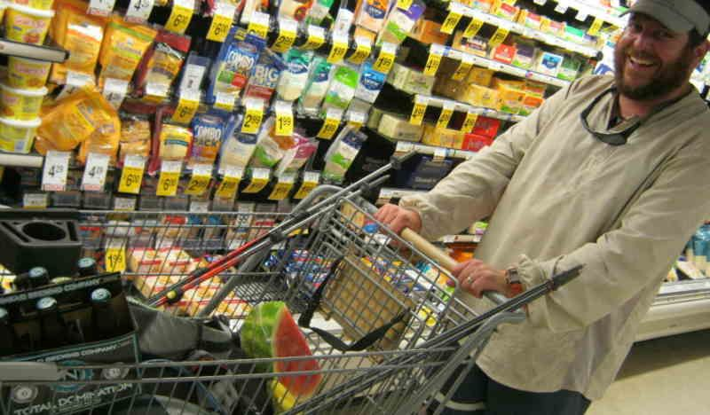 Why Grocery Shopping on an Empty Stomach is a Huge No-No