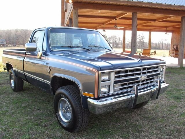 Sell 1986 Chevy Silverado K10 2000 Chevy Trucks Gmc Trucks Chevy Trucks For Sale