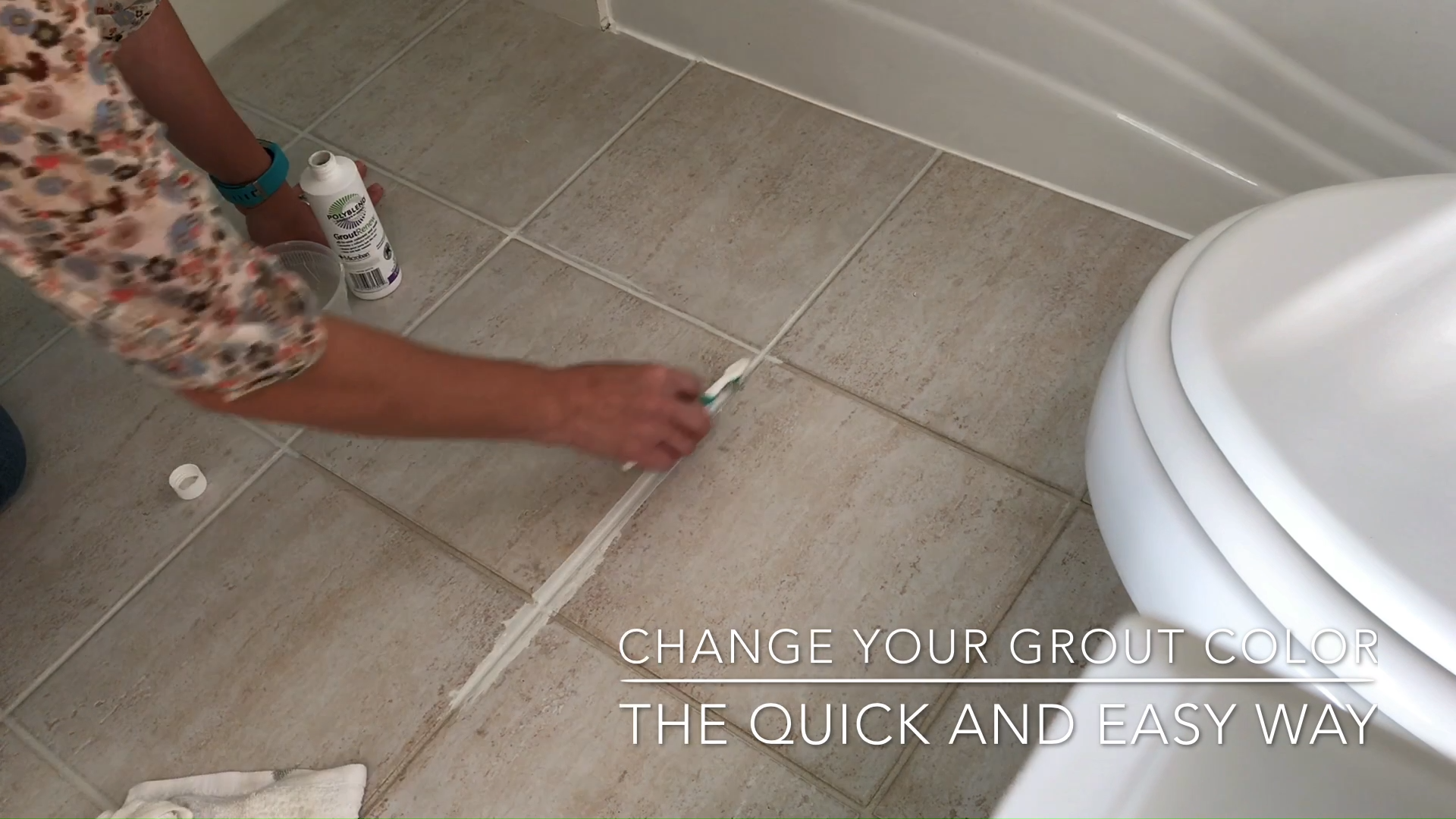 How to Change Grout Color, the easy way! is part of Grout cleaning diy, Cleaning floor grout, Cleaning painted walls, Tile grout cleaner, Painting bathroom tiles, Tile floor cleaner - Whether you just want to go back to white or pick a new grout color   I have the easy and quicks steps for How to Change Grout Color!