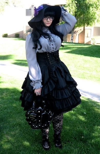 9541b437a6c plus size goth ootd - Google Search