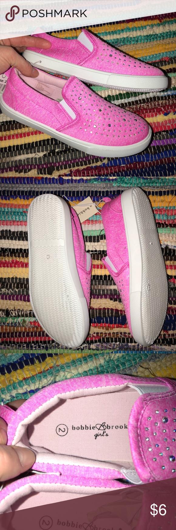 f83754af22a 👧🏼💕NWT💟Bobbie Brooks Girls pink shoe💕👧🏼 NWT!! Rhinestones on shoes!  Size 2