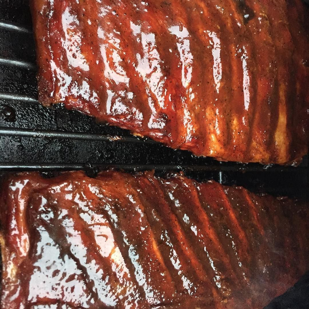 Just putting a glaze on the ribs with a competition sauce