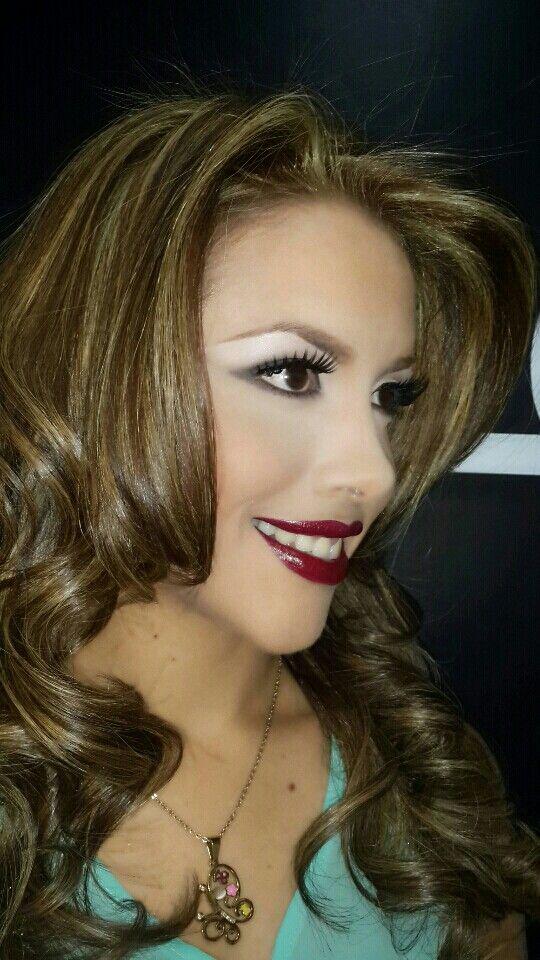R&J SALON make up and hair . Bethania. Camino Real.  PREVIA CITA.  3948158/59  @jkharyn @rodolfoalexander BASE  TEINT MIRACLE  LANCOME SOMBRAS  M102. M204. M300 LANCOME DELINEADOR DE OJOS ARTLINER LANCOME MASCARA DE PESTAÑAS DRAMA LANCOME BRONZING POWDER  FLORMAR LABIAL REVOLUTION PERFECT LIPSTICK R16 FLORMAR COLOR DEL CABELLO 9.4 IGORA ROYAL SCHWARZKOPF ILUMINACIONES  9.5-0 IGORA ROYAL SCHWARZKOPF