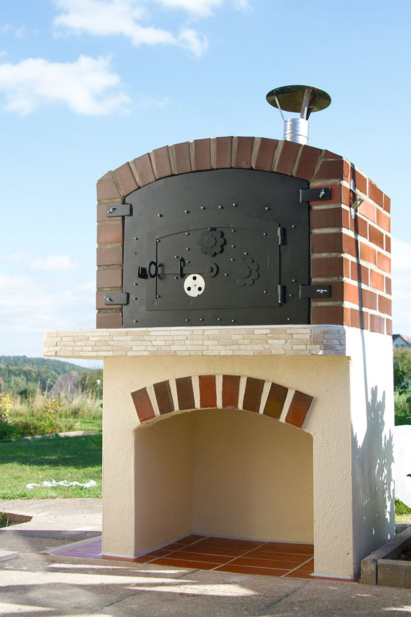 grill und pizzaofen in einem grill und feuerstellen ofen feuerstelle grill und grillen. Black Bedroom Furniture Sets. Home Design Ideas