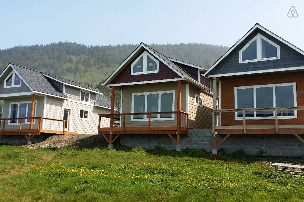 Ocean Front Cottage, Yachats, OR  $3680/mo - Get $25 credit with Airbnb if you sign up with this link http://www.airbnb.com/c/groberts22