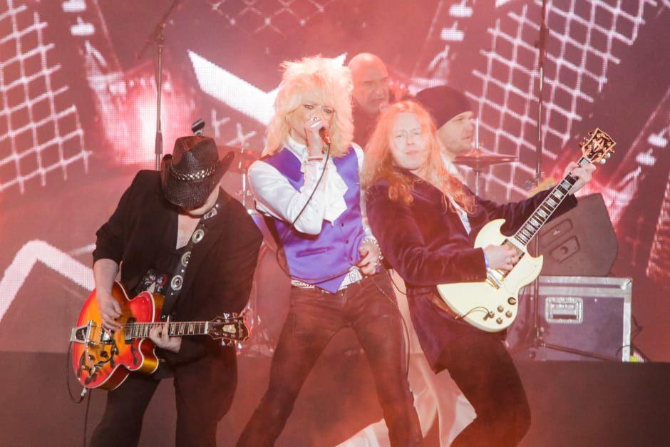 Potin räjäytti rocklegendojen yhteinen show, jossa kuultiin It ain't what you do, Catch me ja Get on -biiseistä koostettu esitys.