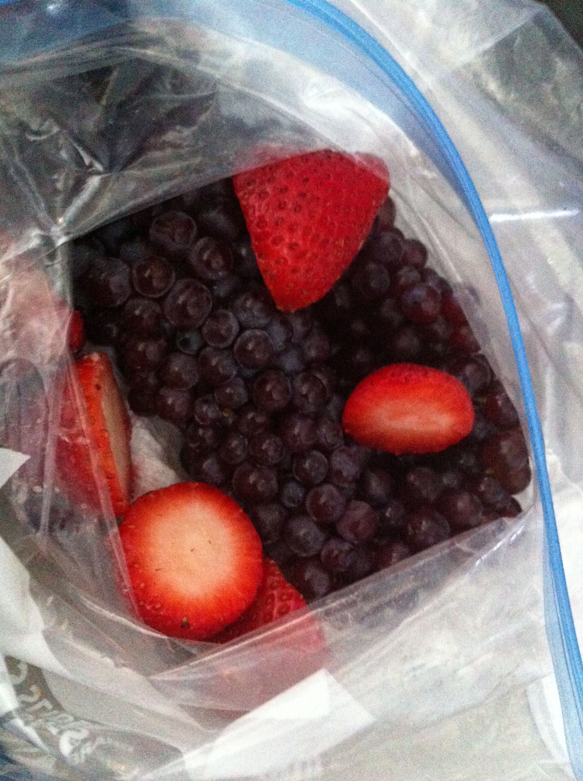 Bring your own fruit for the airplane ride champagne grapes and bring your own fruit for the airplane ride champagne grapes and strawberries good simple healthy recipeseasy forumfinder Image collections